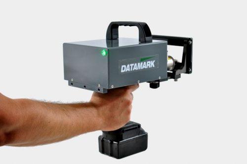 Máquina portátil para marcar piezas industriales